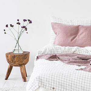 Duvet or Comforter - Which One Best Suits Your Needs?